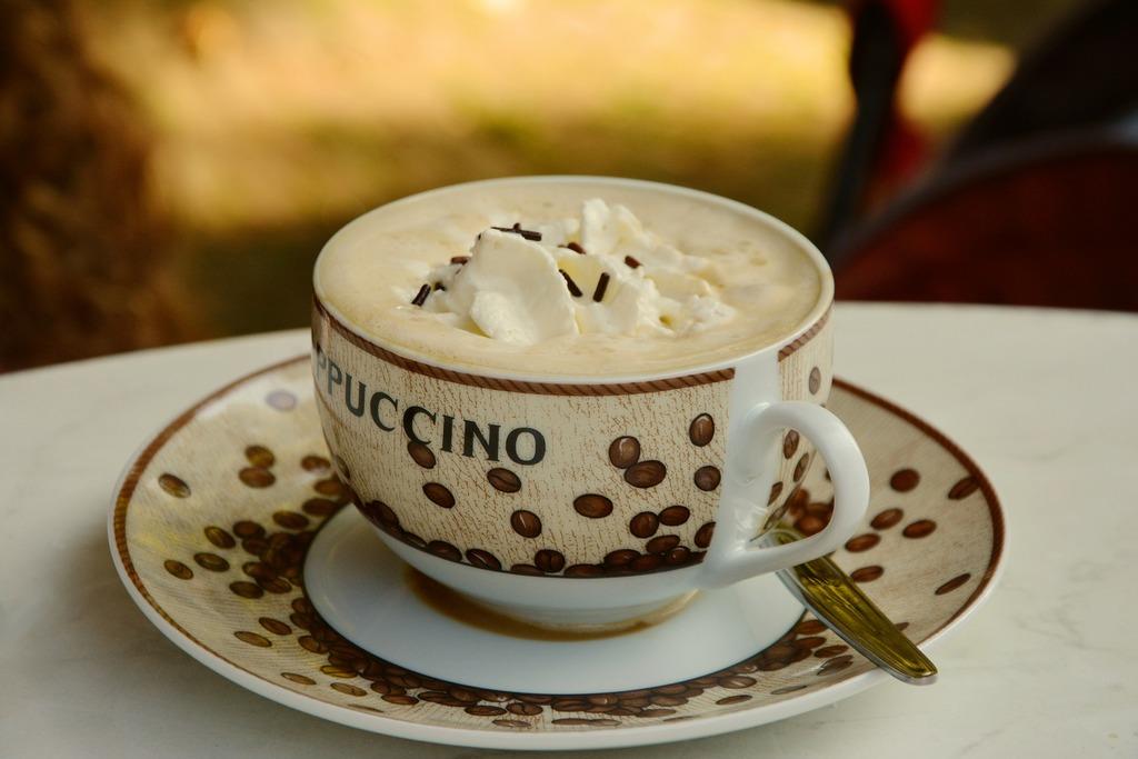 Cappucino Tasse mit Schaum