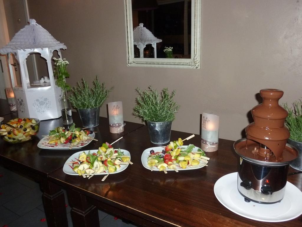 Hochzeitsbuffet mit Schokobrunnen