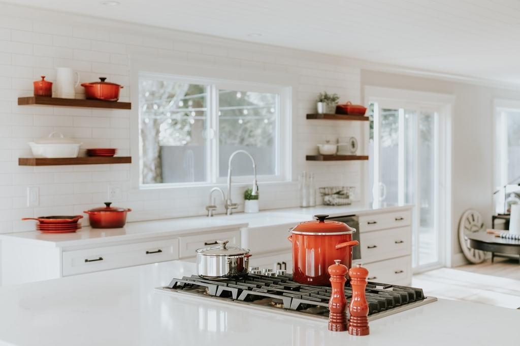 landhausstil kueche minimalistisch